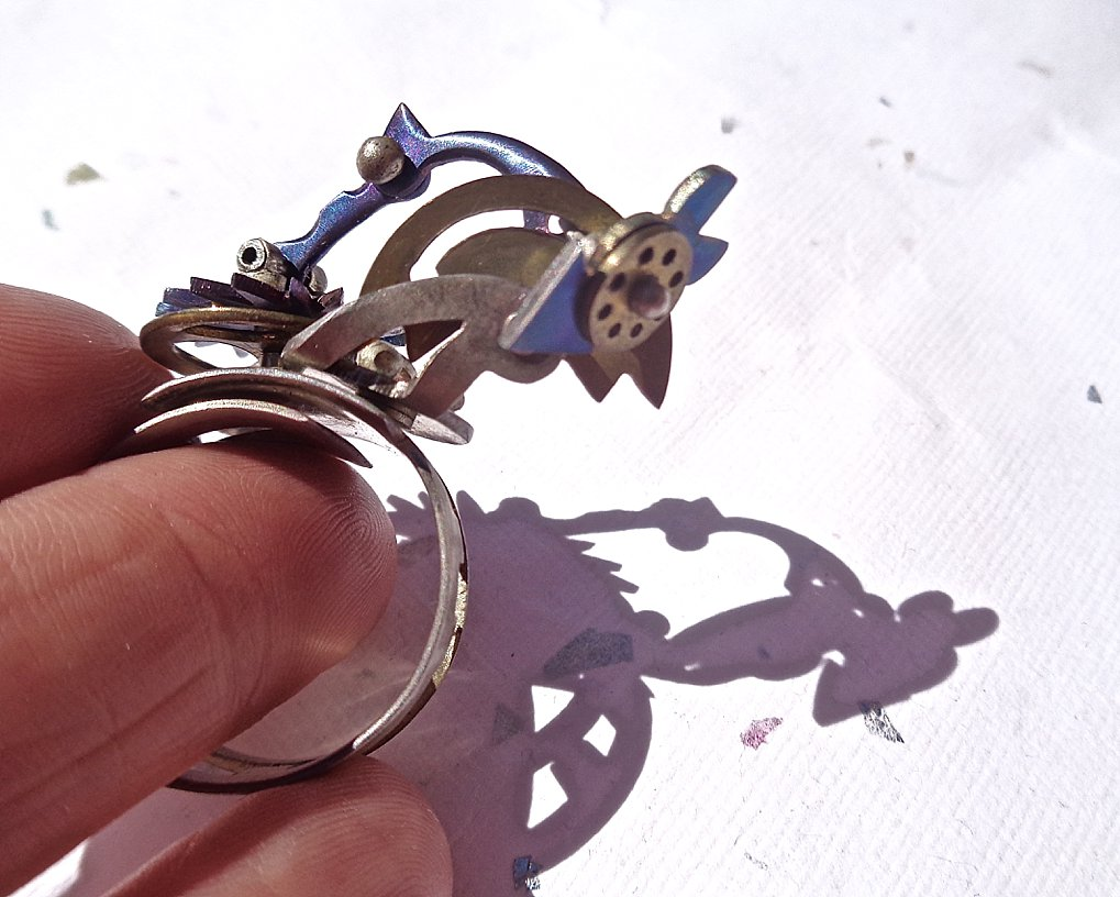 Articulated Finger Ring